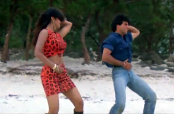 Shilpa Shetty and Akshay Kumar in Main Khiladi Tu Anadi