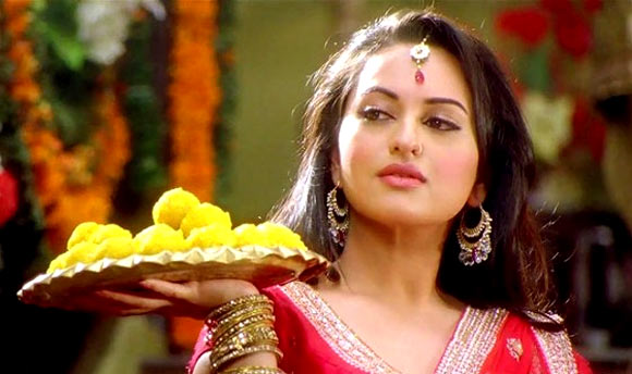 Sonakshi Sinha in Rowdy Rathore