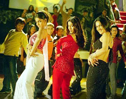Genelia D'Souza, Amrita Rao and Tara Sharma in Masti