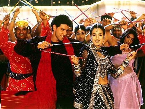 Hrithik Roshan and Ameesha Patel in Aap Mujhe Achche Lagne Lage