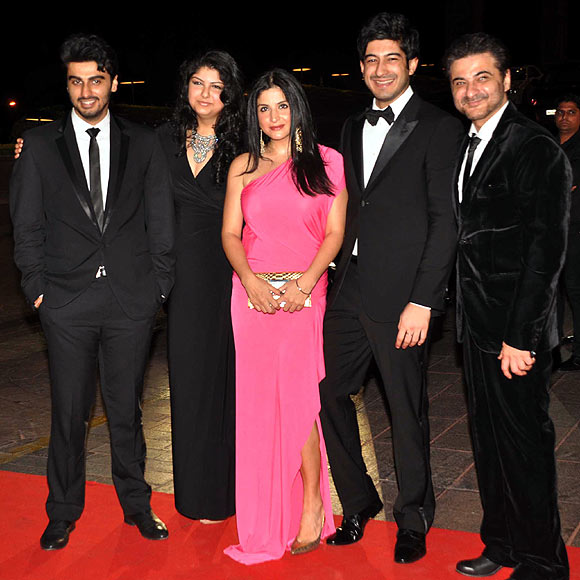 Kareena Kapoor: Kareena Kapoor attends Karan Johar's bash