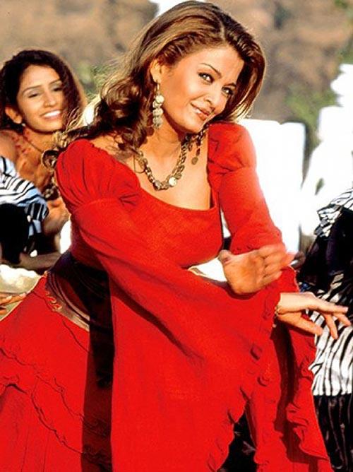 Aishwarya Rai Bachchan in Khakee