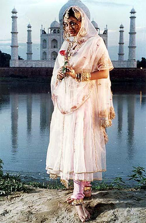 Aishwarya Rai Bachchan in Jeans
