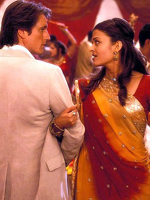 Martin Henderson and Aishwarya Rai Bachchan in Bride and Prejudice