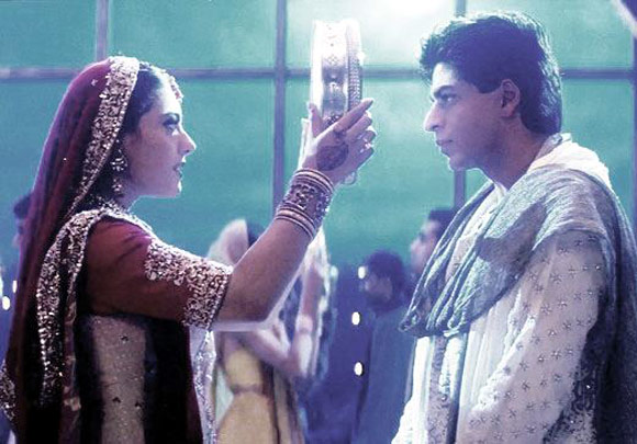 Kajol and Shah Rukh Khan in Kabhi Khushi Kabhie Gham