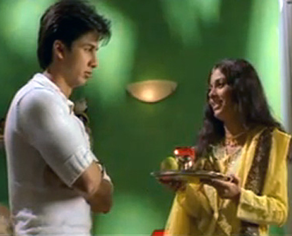 Shahid Kapoor and Amrita Rao in Ishq Vishk