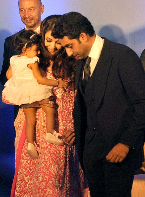 Aishwarya with Aaradhya and Abhishek Bachchan