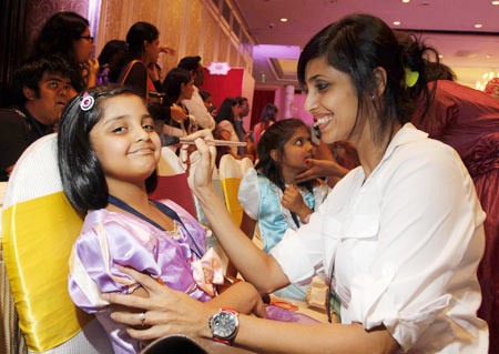 Gautami Kapoor with daughter Sia