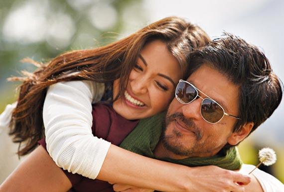Anushka Sharma and Shah Rukh Khan in Jab Tak Hai Jaan