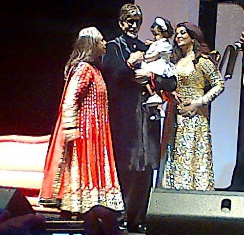 Jaya Bachchan, Amitabh Bachchan, Aaradhya Bachchan and Aishwarya Rai Bachchan