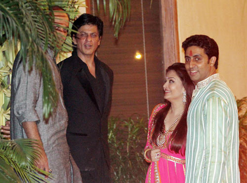 Ashutosh Gowariker, Shah Rukh, Aishwarya Rai and Abhishek Bachchan