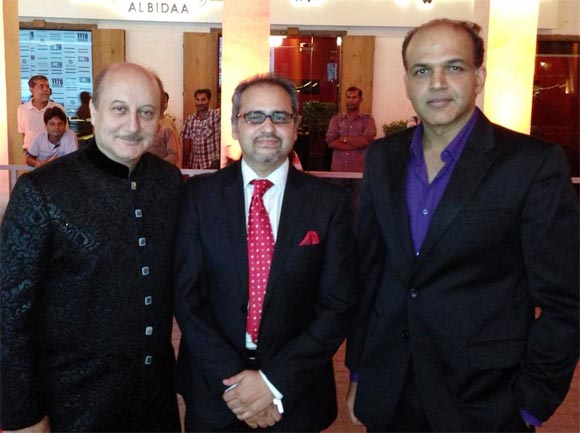 Anupam Kher and Ashutosh Gowariker with a friend