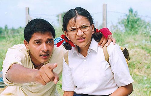 Shreyas Talpade with costar Shweta Prasad in Iqbal