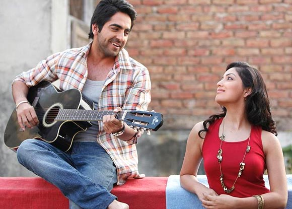 Ayushmann Khurrana with costar Yami Gautam in Vicky Donor