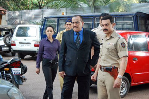 Ansha Sayed, Shivaji Satam, Aamir Khan, Dayanand Shetty
