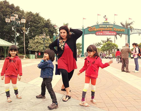 Farah Khan with her kids Diva, Anya and Czar