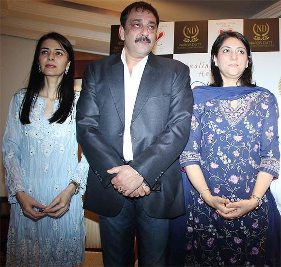 Family Reunion: Sanjay Dutt meets up with sisters - Rediff ...