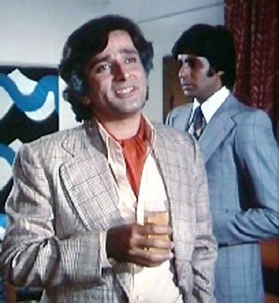 Shashi Kapoor and Amitabh Bachchan in Kabhi Kabhie