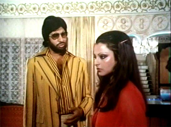 Amitabh Bachchan and Rekha in Do Anjaane