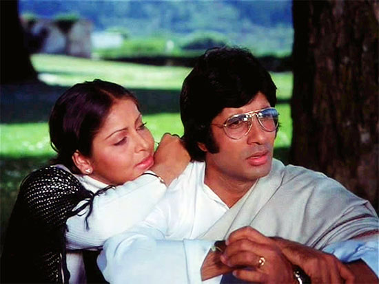 Raakhee and Amitabh Bachchan in Kasme Vaade