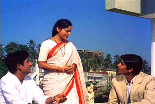 Ramesh Deo, Seema Deo and Amitabh Bachchan in Anand