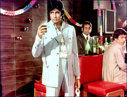 Amitabh Bachchan in Sharaabi