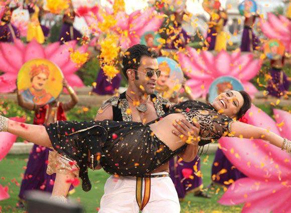 Prithviraj and Rani Mukerji in Aiyyaa