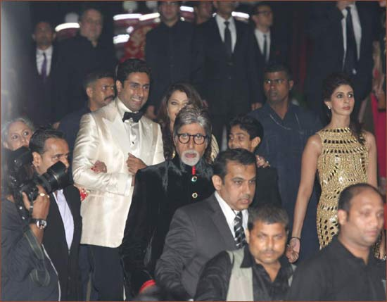 The Bachchan family arrives
