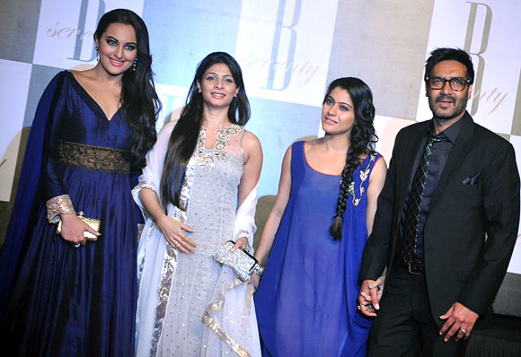 Sonakshi, Tanisha, Kajol and Ajay Devgn