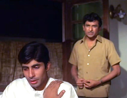 Amitabh Bachchan and Ramesh Deo in Anand
