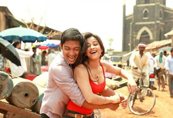 A scene from Kamal Dhamaal Malamaal