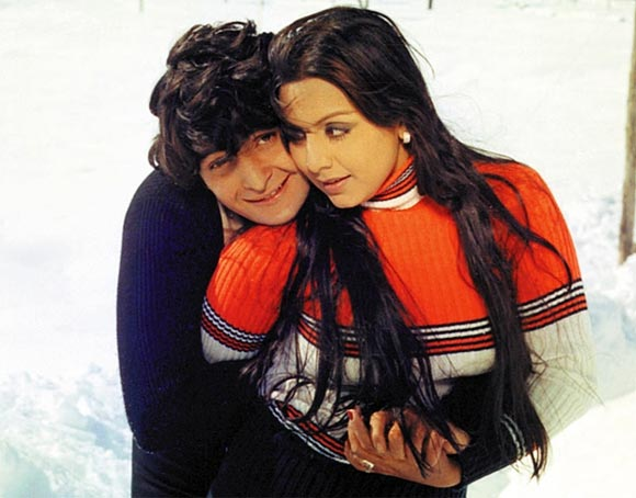 Rishi and Neetu Kapoor in a film scene