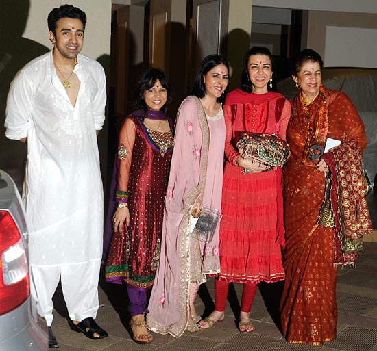 Nilesh Sahay, Jaishree Sharad, Namrata's daughter, Namrata Dutt and Zahida