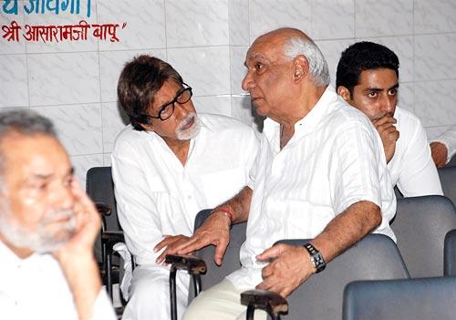Amitabh Bachchan with Yash Chopra
