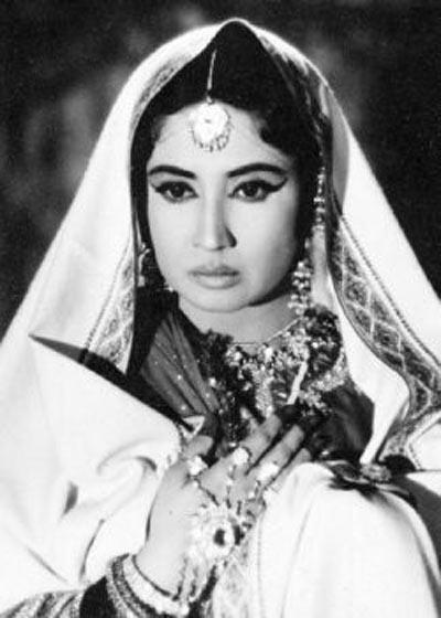 Meena Kumari in Chandni Chowk