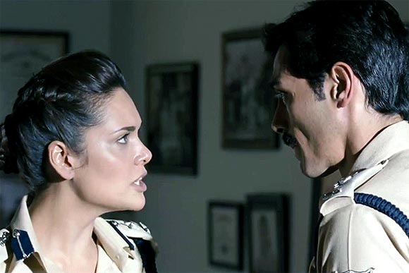 Esha Gupta and Arjun Rampal in Chakravyuh