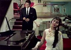 Prithviraj and Sadhna in Waqt