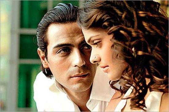 Arjun Rampal and Vipasha Agarwal in I See You