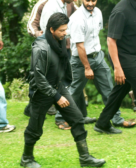 Shah Rukh Khan shoots in Kashmir