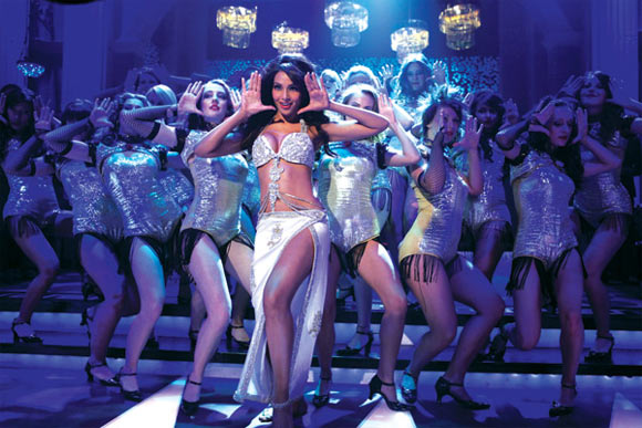 Bipasha Basu in Jodi Breakers