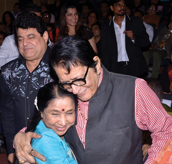 Asha Bhosle with Manoj Kumar