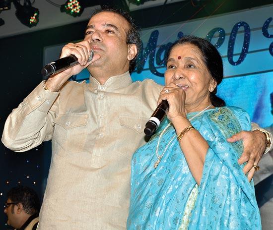 Asha Bhosle and Suresh Wadkar