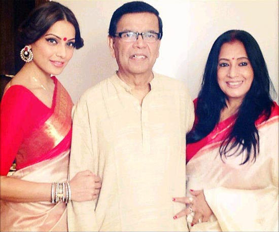 Bipasha Basu with parents Hirak and Mamta Basu