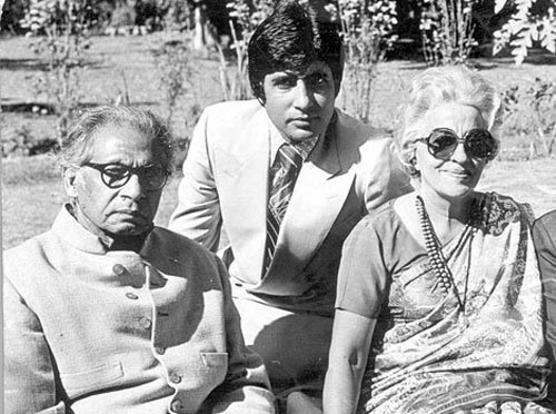 Amitabh Bachchan with parents Harivansh Rai and Teji Bachchan