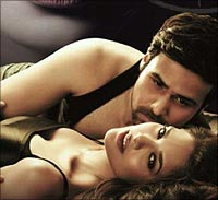 Emraan Hashmi and Esha Gupta in Raaz 3