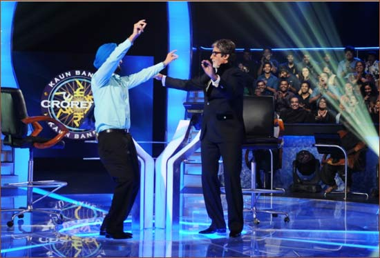 Kanwar Surtej Singh dances with Amitabh Bachchan