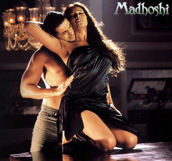 John Abraham and Bipasha Basu in Madhoshi