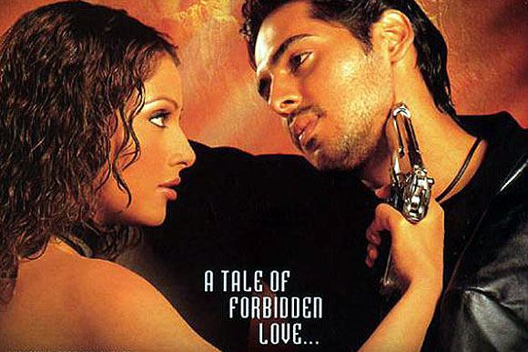 Bipasha Basu and Dino Morea in Gunaah