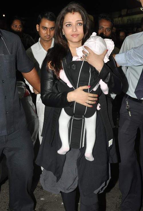Aishwarya Rai Bachchan with Aaradhya