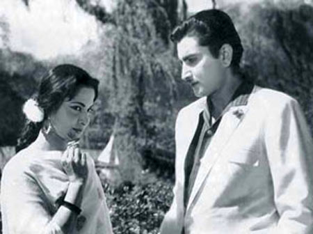 Waheeda Rahman and Shashi Rekhi in Shagun